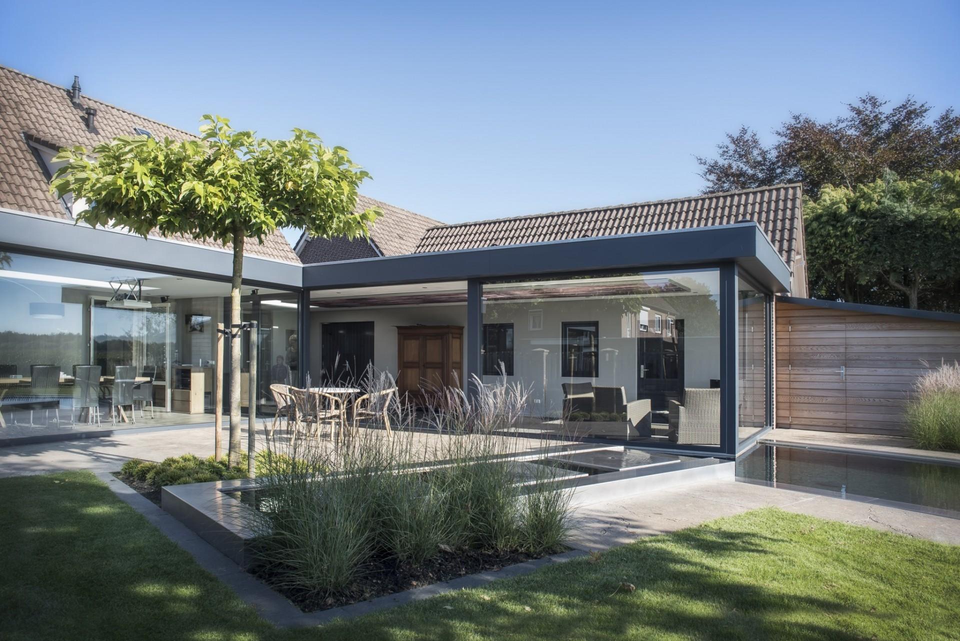 Fam vd velden landhorst grote renovatie huis met verlenging naar de tuin edwin melis tuintechniek - Huis in de tuin ...